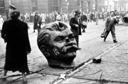 Stalin's_statue_toppled_in_Hungary.jpg